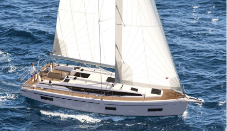 BAVARIA C38 - The Joy of sailing